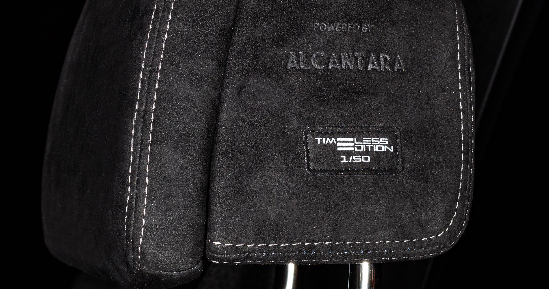 BMW X5 Timeless Edition rivestimenti alcantara