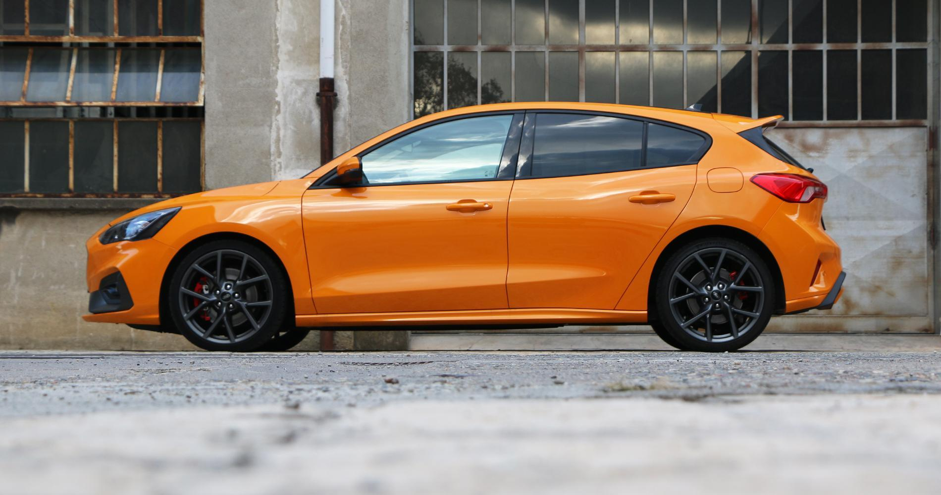 Ford Focus ST foto