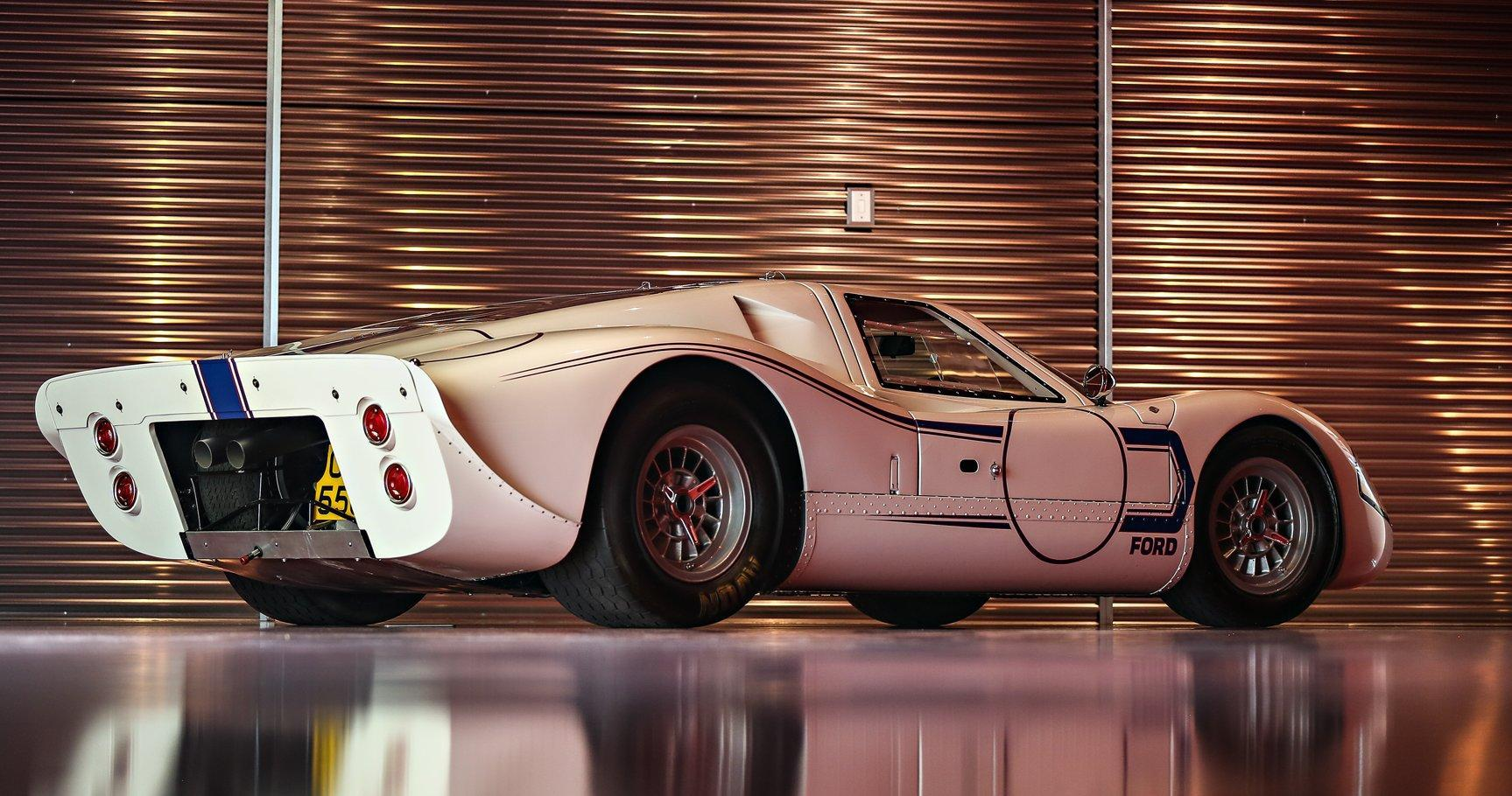 Ford GT40 mk 4 rear tre quarti