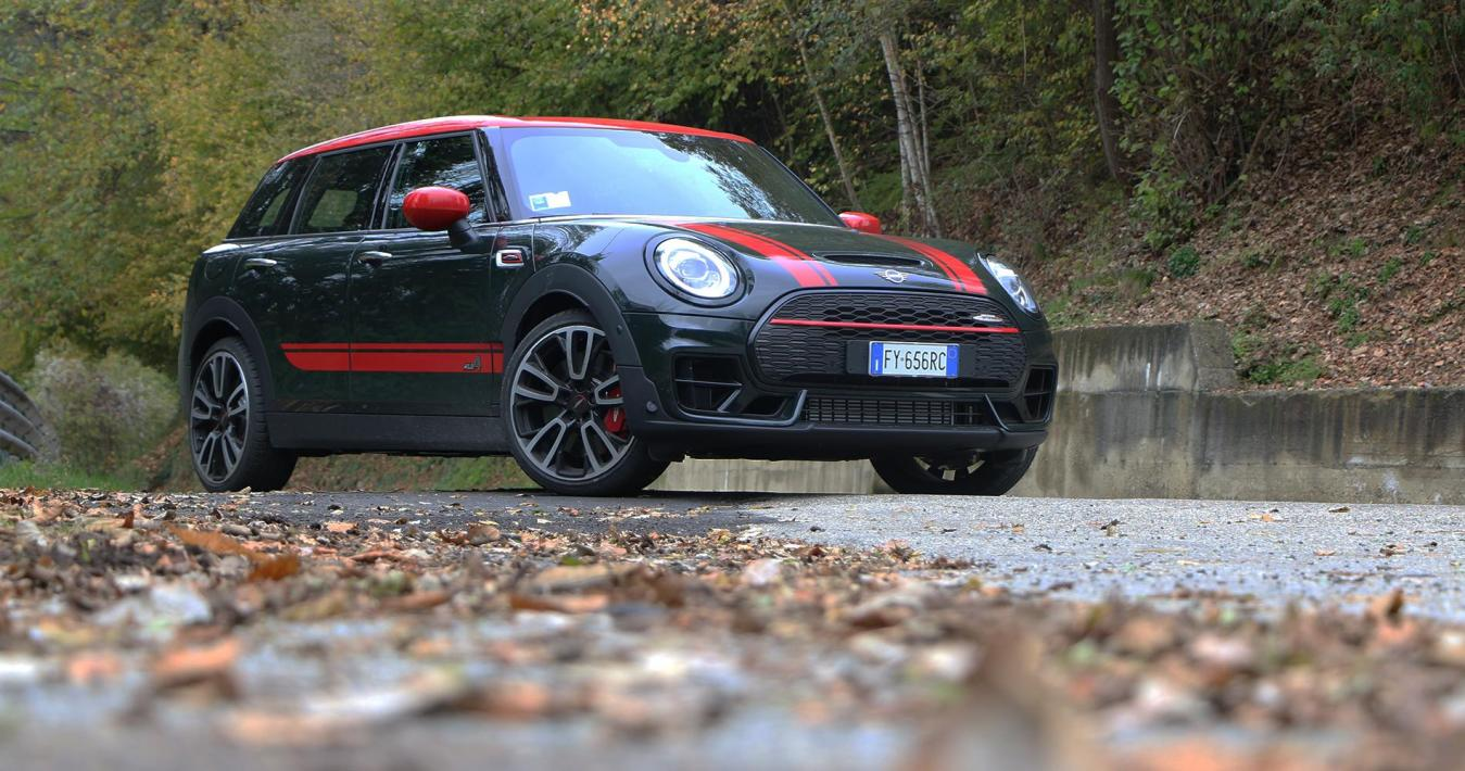 Mini CLubman John Cooper Works statica tre quarty