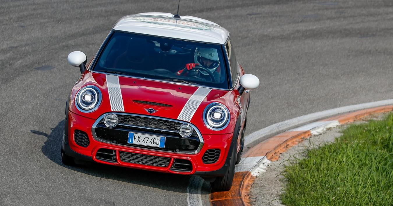 MINI John Cooper Works Challenge Edition 4